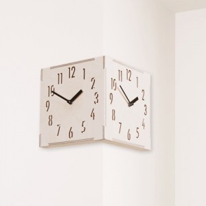 Corner Clock 자작나무시계