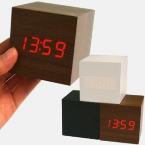 (고품질)우드탁상시계/디지털시계달력-불량 NO