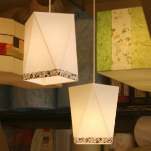 [한지등] 삼각팬던트[창호지당초문양띠지]가격:66,000원